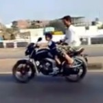 Idiot of the day : making your 4 years old girl drive your motorcycle