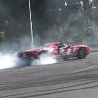 Ford GT does awesome burnout in parking