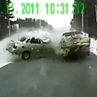 Compilation 28 d'accidents automobiles 2011
