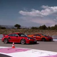 Jeremy Clarkson pits a McLaren MP4-12C against a Porsche 911 GT2 RS in a drag race