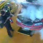 <!--:en-->Watch a simple oil change go terribly wrong<!--:--><!--:fr-->Quand un simple changement d'huile se transforme en cauchemar…<!--:-->