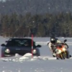 <!--:en-->EPIC Video: Yamaha R1 and YZF450 vs Porsche 911 GT3 RS and Mitsubishi Evo…. On Ice!<!--:--><!--:fr-->Incroyable : Des Yamaha R1 et YZF450 vs une Porsche 911 GT3 RS et une Mitsubishi Evo… sur glace!<!--:-->