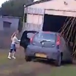<!--:en-->Kids Take Their Parent's Car For a Ride: Chaos Ensues<!--:--><!--:fr-->Ces enfants prennent la voiture de leur parents. On devine la suite de l'histoire…<!--:-->