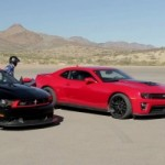 Guerre de muscle  l&rsquo;amricaine : Chevrolet Camaro ZL1 vs Ford Mustang Boss 302  Laguna Seca! 