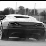 <!--:en-->Watch a 1088 Horsepower, One Million Dollar Electric Supercar in Action<!--:--><!--:fr-->Une supervoiture électrique de 1 088 chevaux à un million de dollars en action<!--:-->