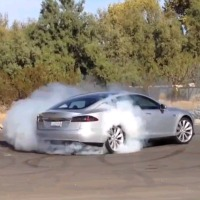 tesla-model-s-burnout