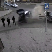 pedestrians-survive-huge-car-crash