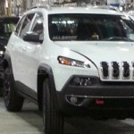 <!--:en-->World, Meet The 2014 Jeep Cherokee, Successor To The Liberty<!--:--><!--:fr-->Les premières images du Jeep Cherokee 2014, le successeur du Liberty<!--:-->