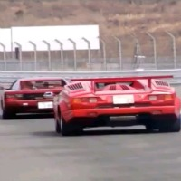 80 s v12 legends clash ferrari testarossa vs lamborghini countach video. Black Bedroom Furniture Sets. Home Design Ideas