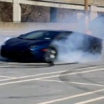 Watch a Lamborghini Aventador Making Some Nice AWD-Flavored Donuts