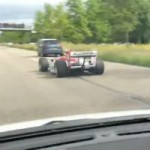 <!--:en-->F1 car drives on the road like a boss!<!--:--><!--:fr-->Voiture de Formule 1 dans le trafic!<!--:-->