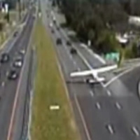 Plane-lands-on-highway