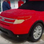 A Ford Explorer entirely made of… Lego!